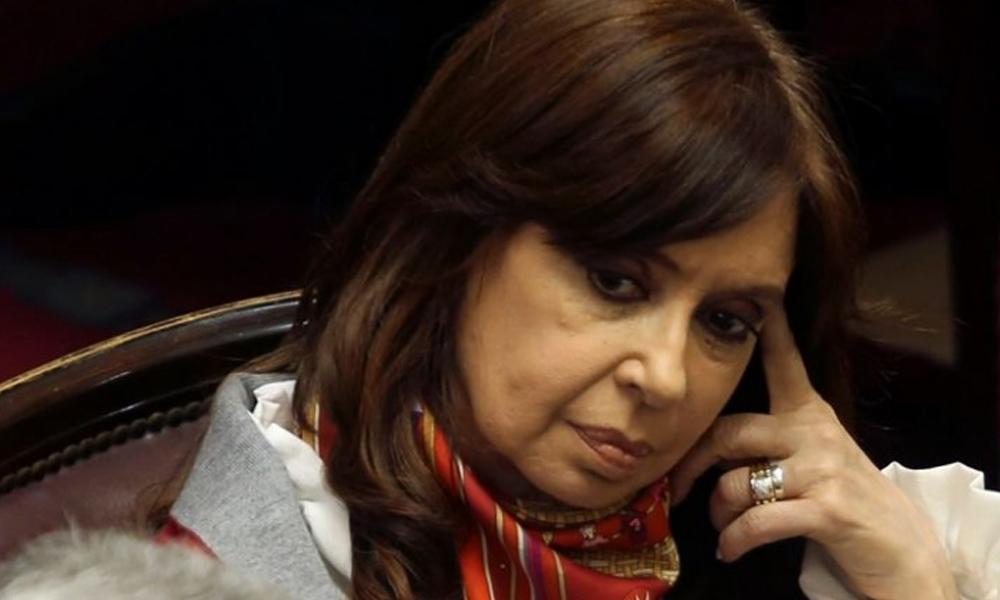 Envían a juicio a Cristina Fernández por presuntos sobornos millonarios