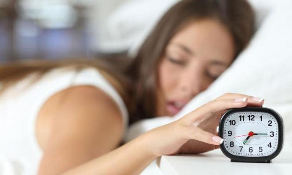 La OMS recomienda dormir al menos 7 horas a día