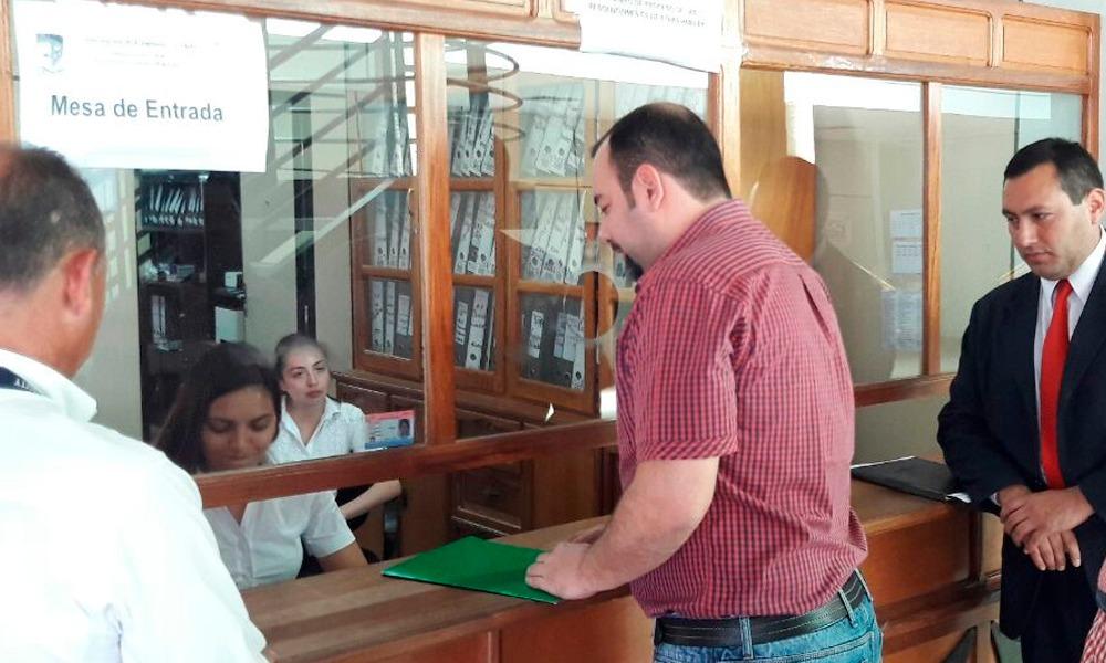 Eladio solicita proyecto de convenio para aporte ofrecido por la Gobernación