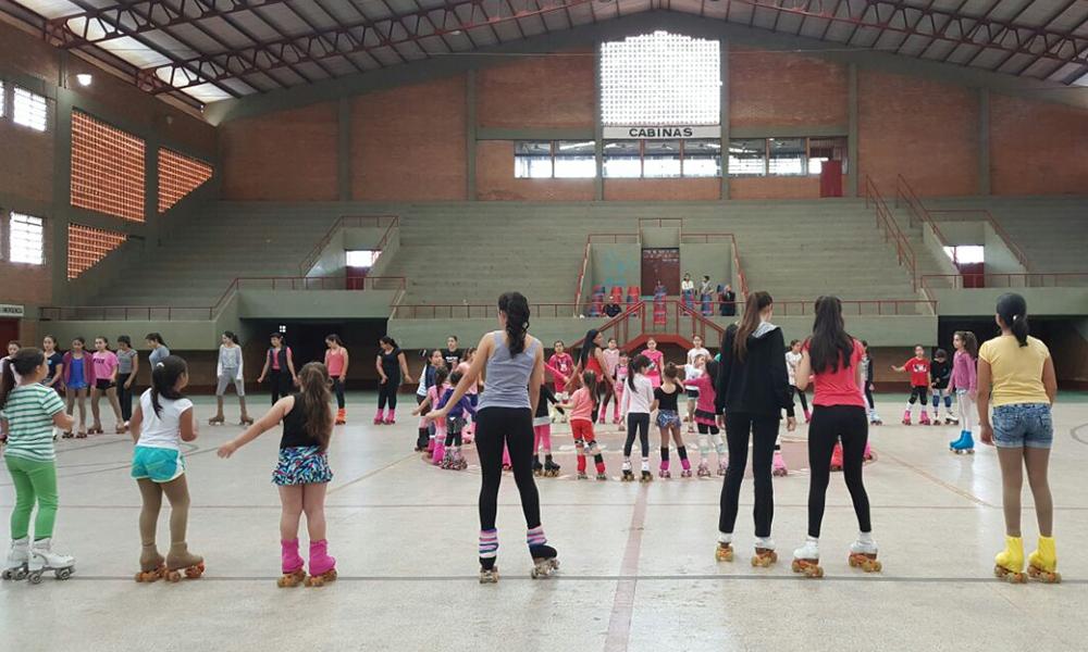 """Alumnas de la Escuela de Patinaje """"Celina Torres"""". //OviedoPress"""