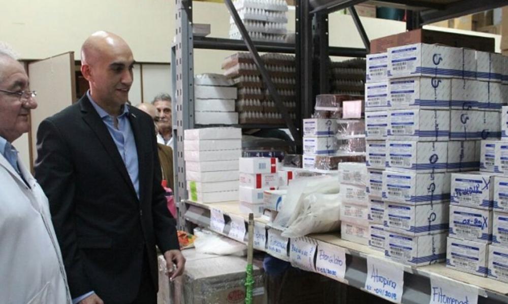 Ministro de Salud denuncia compras irregulares de medicamentos