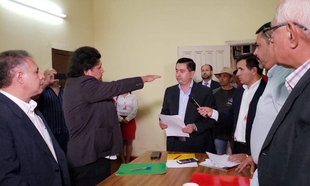 Concejales oficialistas de CDE respetan decisión de Diputados y acatan llamado a elecciones