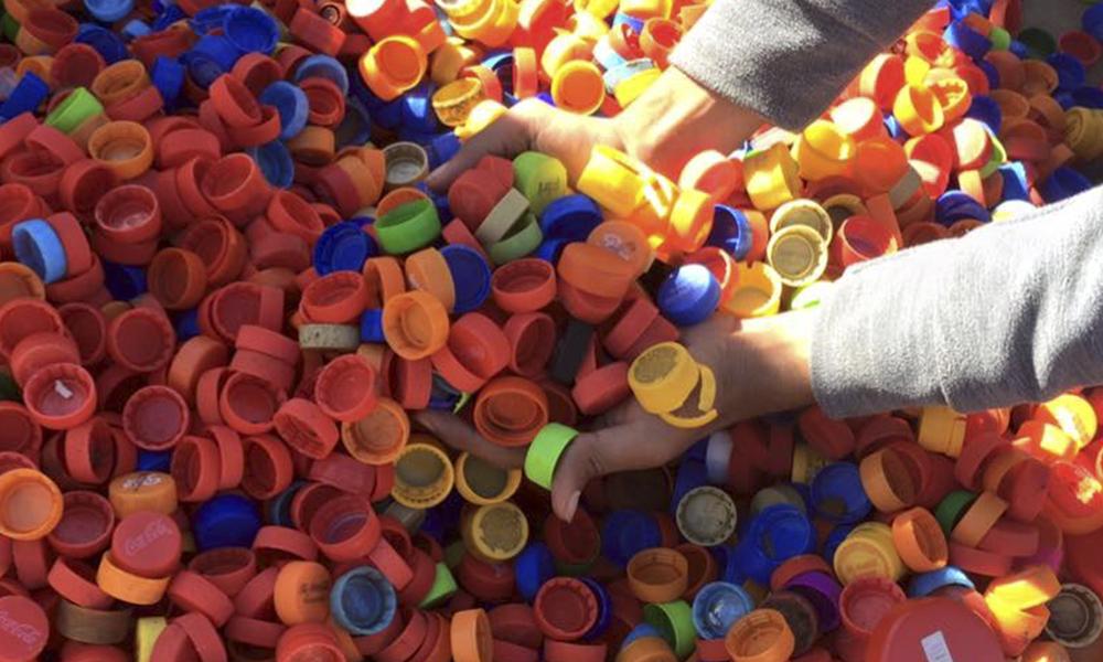 La meta será sobrepasar los 100 kilogramos de tapitas plásticas. //Foto:AlexisLópez-OviedoPress