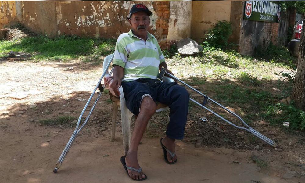 Serafín Medina, lleva 15 meses sin poder caminar a consecuencia de una supuesta mala praxis, anuncia una demanda penal contra Pablo Martínez. //OviedoPress