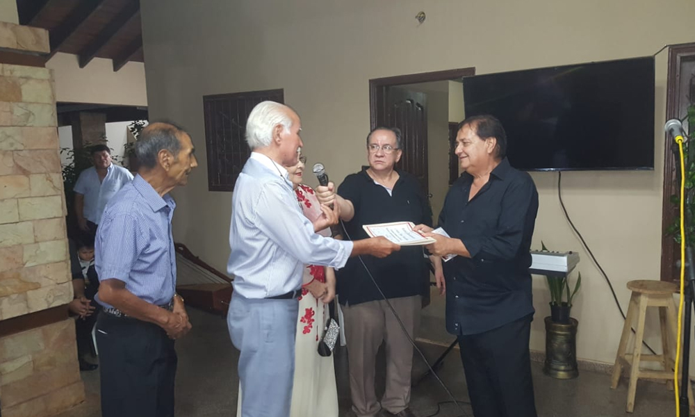 Folcloristas ovetenses homenajearon a Papi Basaldua