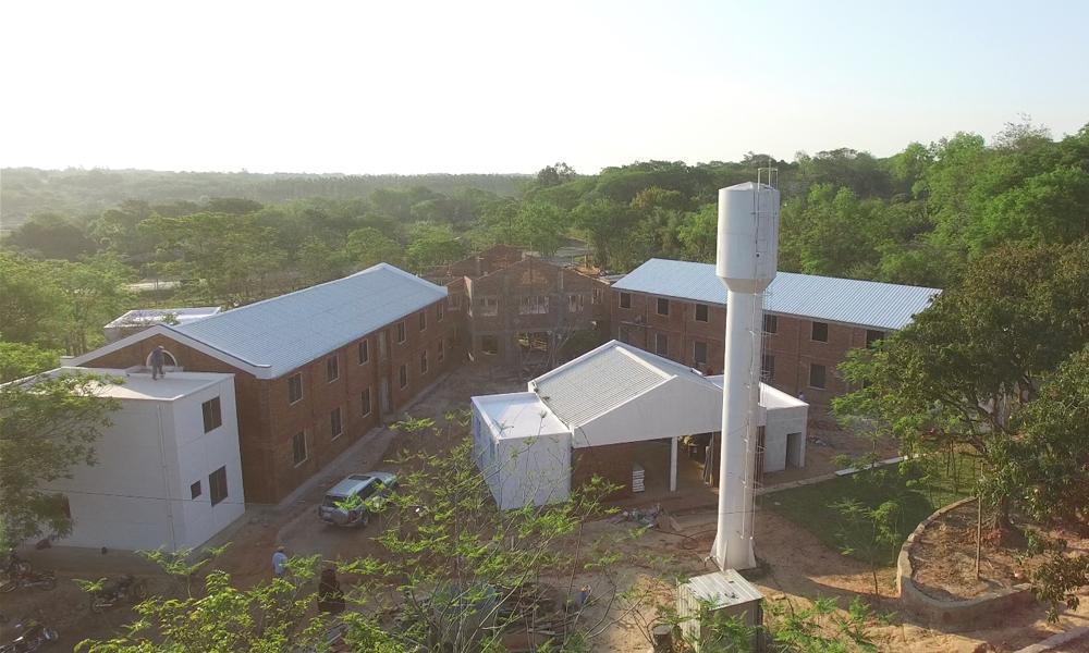 Captura aérea de la residencia universitaria.
