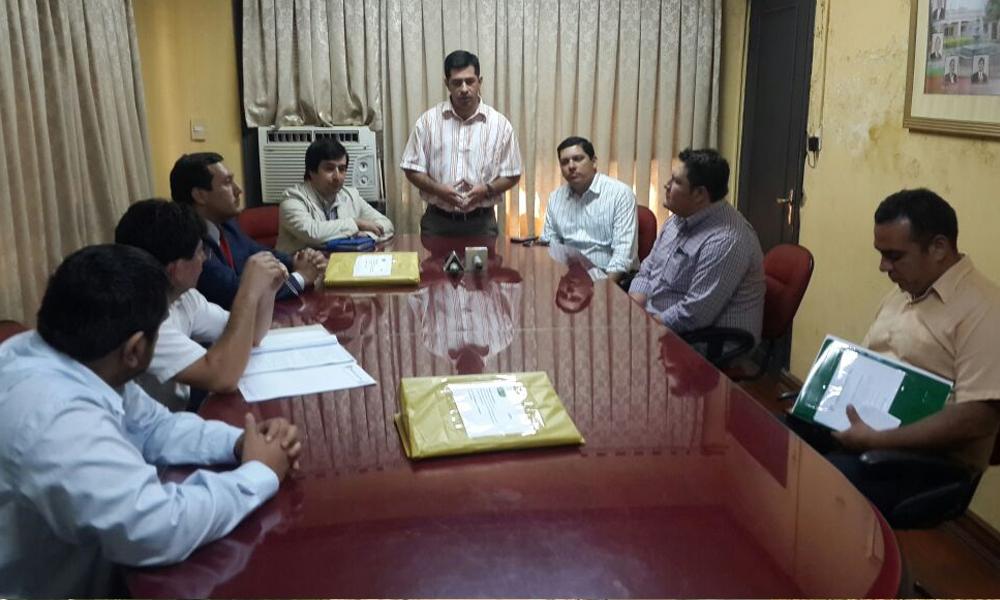 Funcionarios municipales, representantes de la Junta Municipal y representantes de oferentes // Néstor Castillo