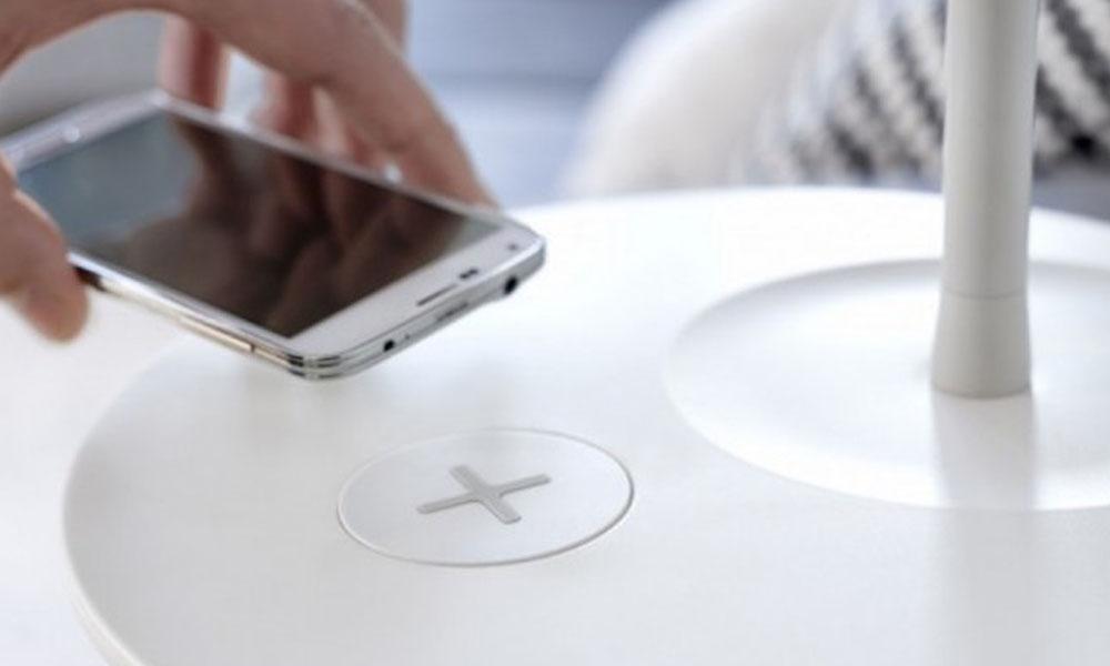 ¿Cansado de quedarte sin batería? Las marcas de teléfonos móviles quieren poner fin a los cargadores con cables. //actualidadiphone.com
