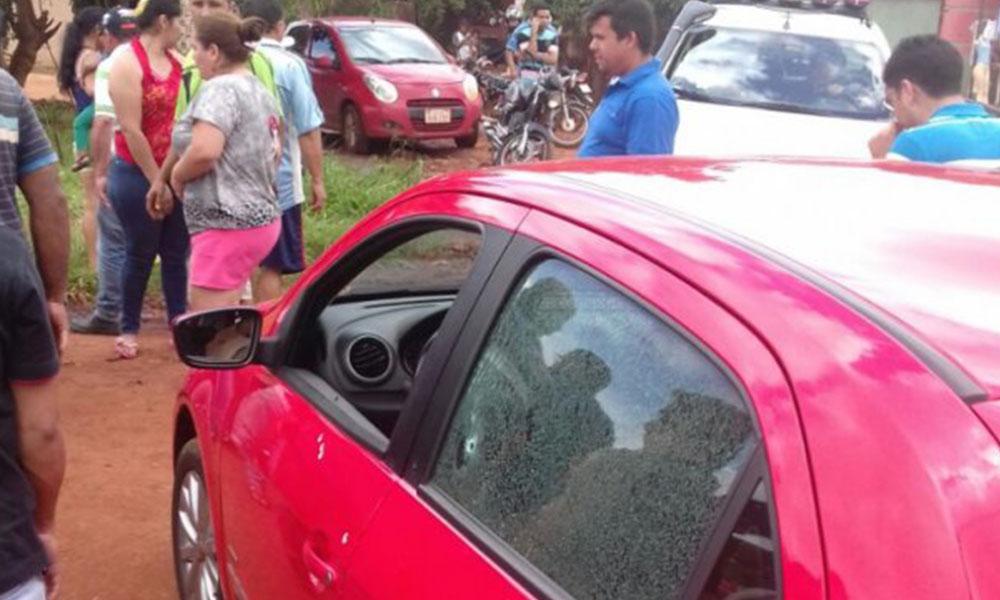 El vehículo en el cual se trasladaba el abogado.