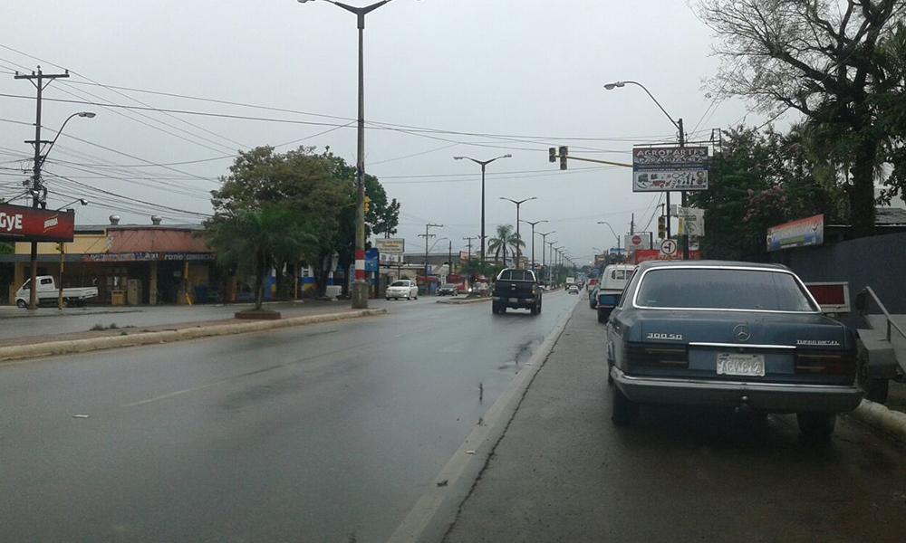 Uno de los semáforos inactivos en la ciudad de Coronel Oviedo. //OviedoPress