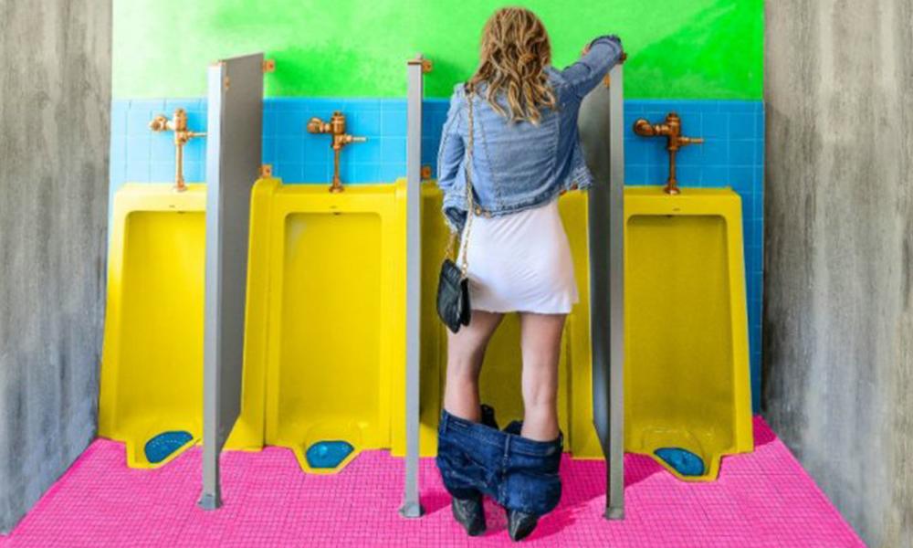 Las mujeres podrán orinar en cualquier baño público sin inconveniente.//Foto: caliopemagazine.com
