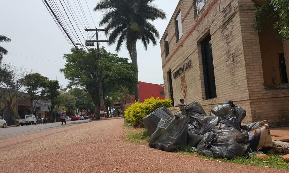 Actualmente en la ciudad se refleja el mal servicio de la empresa Aseo Urbano // OviedoPress