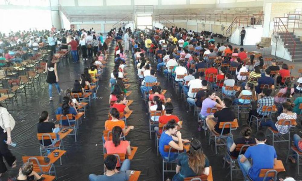 Un total de 4.880 jóvenes se presentaron a rendir. Foto://Ultimahora.com