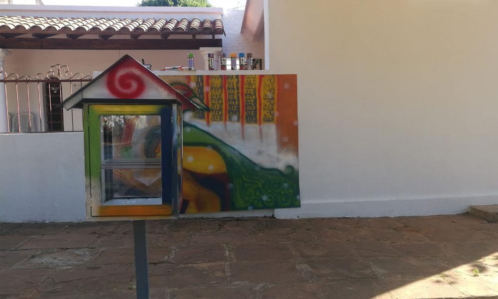 Biblioteca callejera llega a Coronel Oviedo