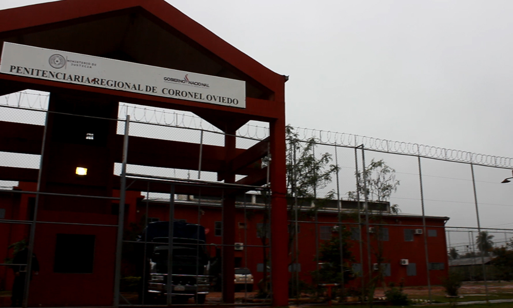 Dentro de la cárcel de Coronel Oviedo se mercadea con el alcohol, la droga y los privilegios // OviedoPress