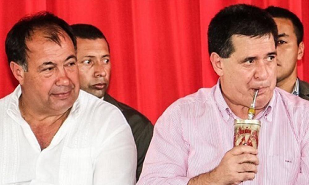 El presidente Cartes estuvo acompañado por el vice presidente, Juan Afara. Foto://Facebook - Horacio Cartes