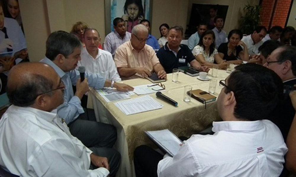 Reunión entre docentes y el ministro. Foto://MEC.