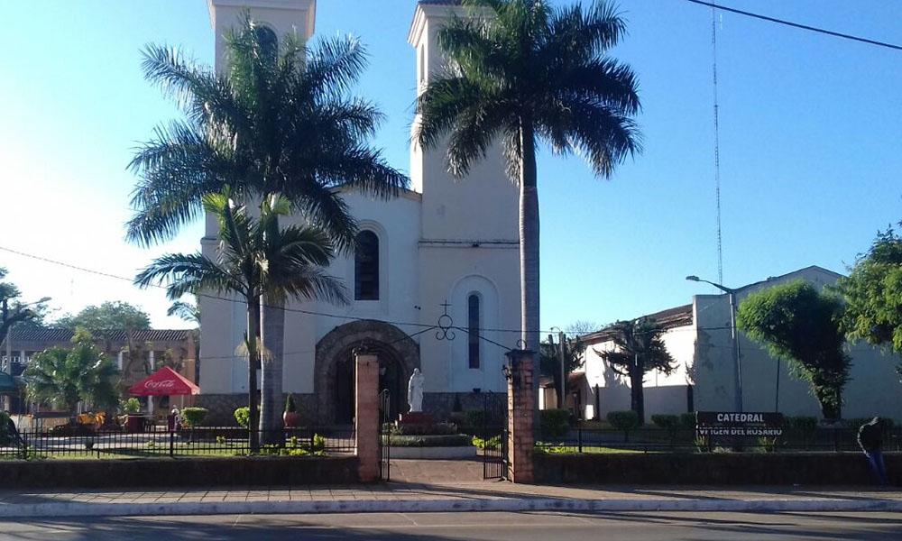 Fachada de la Catedral Virgen del Rosario, Coronel Oviedo.  //OviedoPress