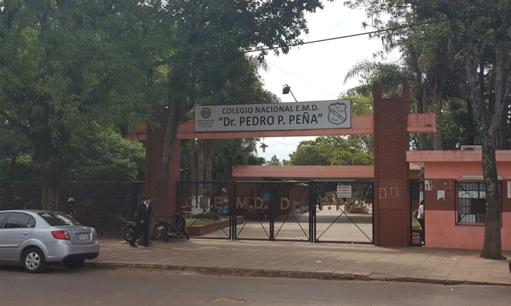 Colegio Nacional Dr. Pedro P. Peña de Coronel Oviedo // OviedoPress