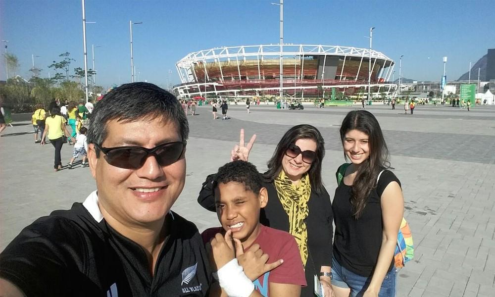 Christian Noguera, con toda su familia, durante el desarrollo de los Juegos Olímpicos Río 2016. //OviedoPress
