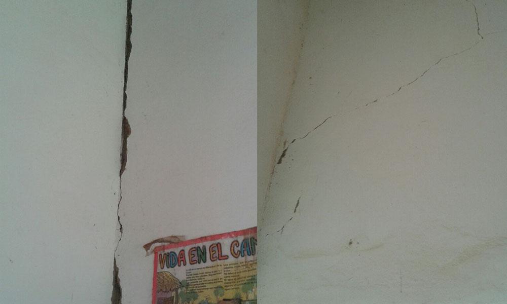 Fisuras en dos de las aulas de la escuela de Loma Rugua distrito de Nueva Londres. //OviedoPress