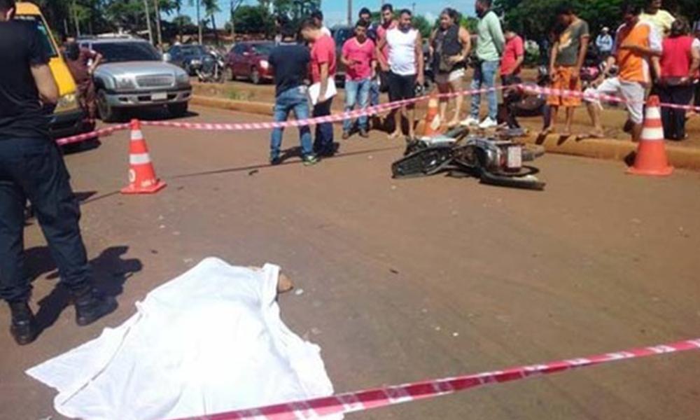 El hombre murió al instante tras el impacto con el camión. Foto://Facebook - Oscar Florentín