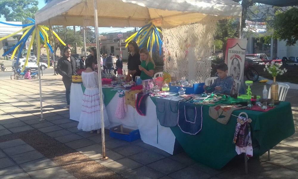 La Feria de Reciclados se desarrolla en la explanada de la Catedral de Coronel Oviedo. //OviedoPress