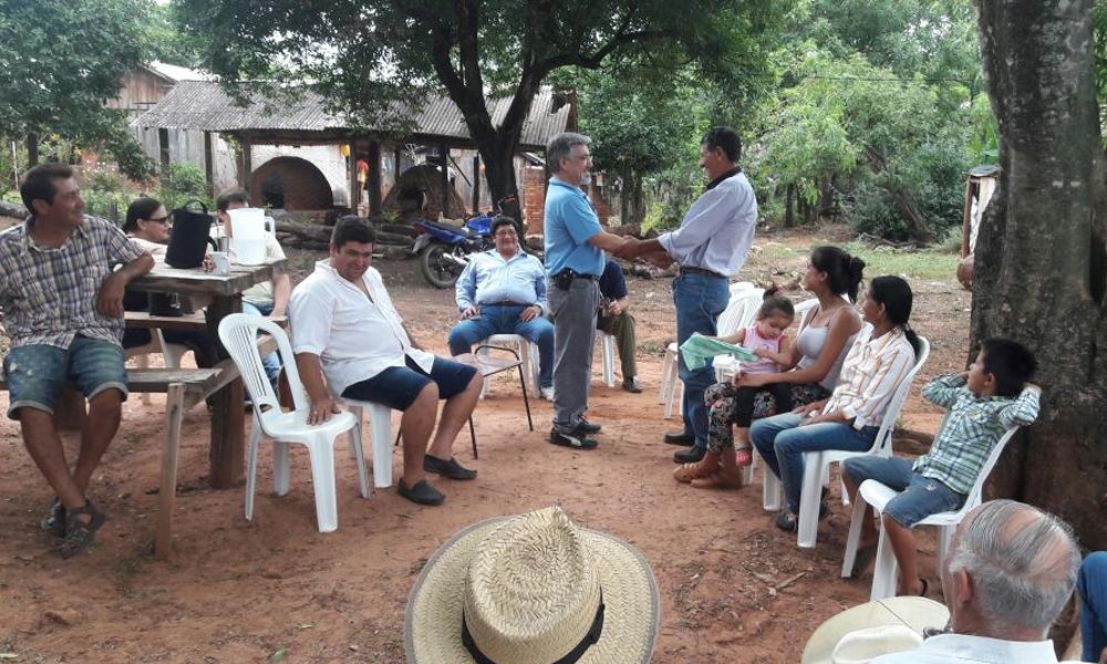 Dr. Herminio Ruiz Diaz, durante la runión mantenida en Arroyo Porâ // Gentileza