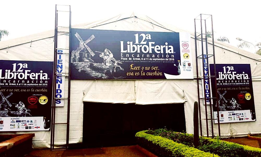 """Edición Nº 12 de la """"Libroferia Encarnación"""". //misionescuatro.com"""
