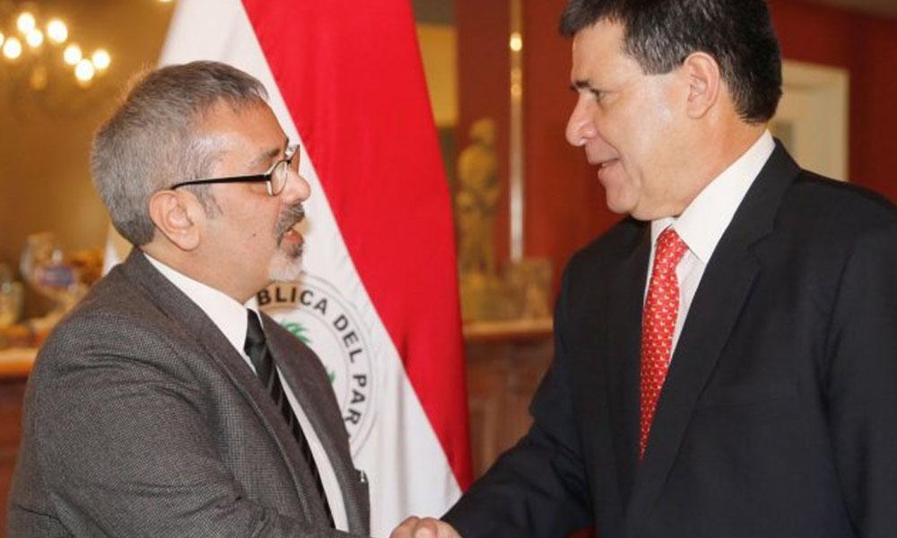 El nuevo ministro de Cultura Fernando Griffith y el presidente de la República, Horacio Cartes. //UltimaHora.