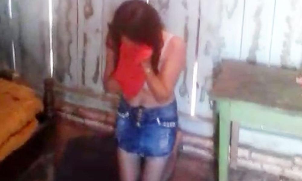 La mujer era sometida a fuertes agresiones mientras su pareja filmaba todo. Foto://Abc.com.py