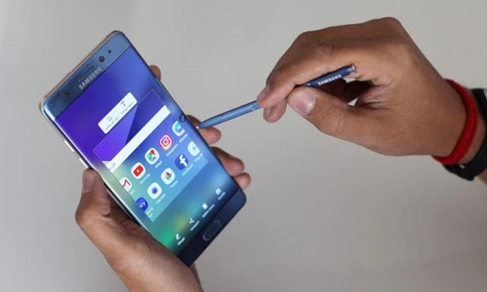 Samsung Note 7 anunciaba una batería de mayor duración y menos demora en cargar. //hipertextual.com