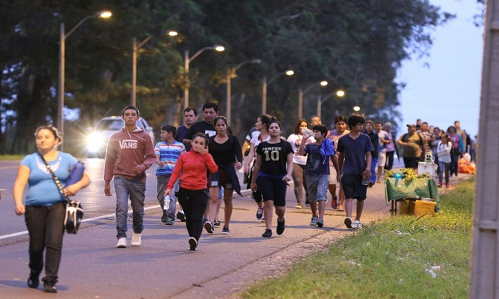 Inquebrantable la fe del pueblo paraguayo. Peregrinantes a Caacupé. //Cronica.com - Foto Archivo