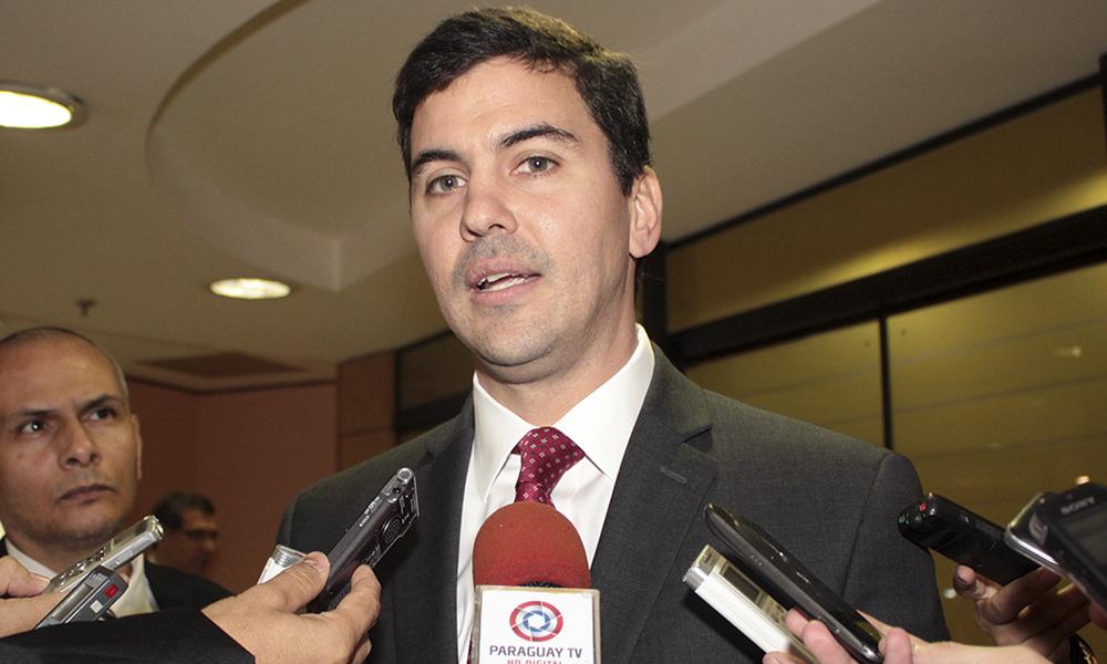 El ministro de Hacienda, Santiago Peña. Foto://www.ip.gov.py