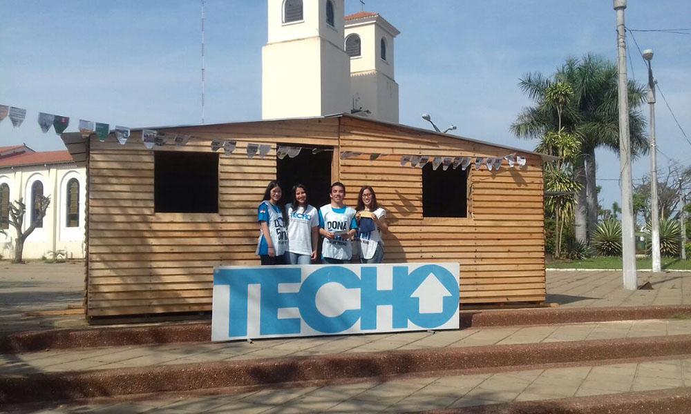Voluntarios de TECHO esperan la solidaridad de la ciudadanía ovetense. //OviedoPress