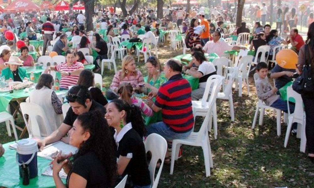 La Comilona Ovetense inicia a las 08:00 horas frente al Banco Itaú (ubicados sobre la calle Tuyutí) de la ciudad de Coronel Oviedo. //Abc.com.py - Foto Archivo