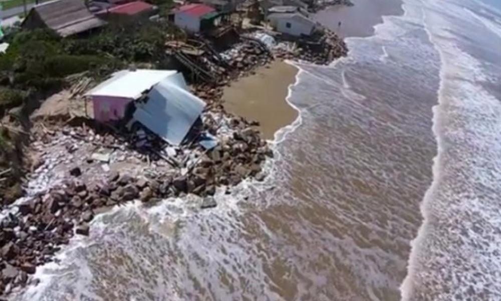 Desaparecieron 24 casas y otras 27 serán demolidas por peligro de derrumbe. Foto://elobservador.com.uy
