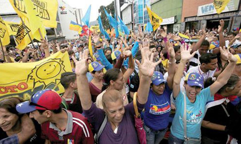 Referéndum. El revocatorio, el arma constitucional de la oposición para sacarle a Maduro. Foto://Ultimahora.com.py.